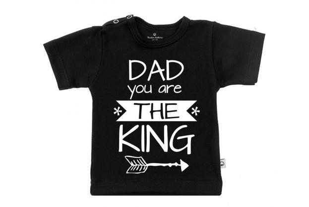 Wooden Buttons t-shirt lm Dad you are the king zwart