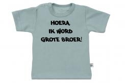 Wooden Buttons t-shirt km Hoera ik word grote broer old green